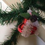 Retro rode Kerstklok van plastic voor in de kerstboom anno jaren 1960