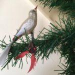 Antieke Kerst vogel op veer van gepatineerd dun geblazen glas 1e kwart 1900