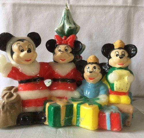 Oude retro Kerst kaars met de familie Mickey Mouse van Disney midden 1900