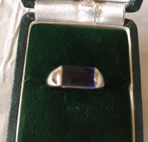 Modern style 14 karaat witgouden ring met tanzaniet