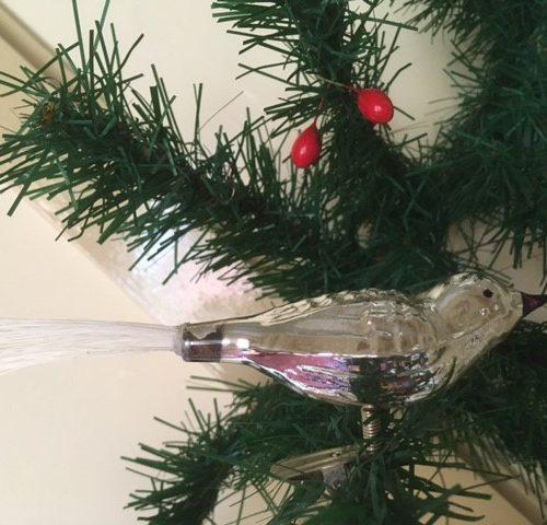 Oude antieke Kerst mus van dun geblazen glas op 1 poot of veer midden 1900