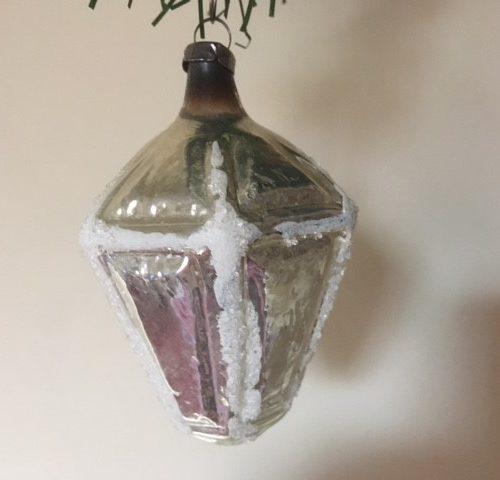 Oude antieke kerstbal een lantaarn van dun geblazen glas in zilver 1e helft 1900