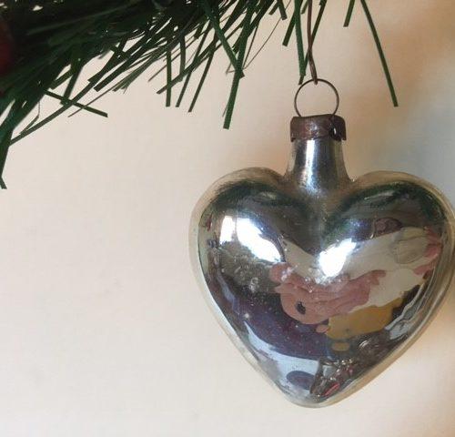 Oude antieke kerstbal een hart in zilver van dun geblazen glas 1e helft 1900