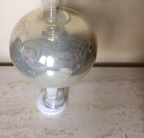 Antieke klassieke piek van dun geblazen glas in zilver met patine 1e helft 1900